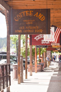 Truckee CA has bars, restaurants and shops along its Main Street.